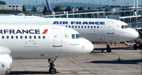 Des avions d'Air France.