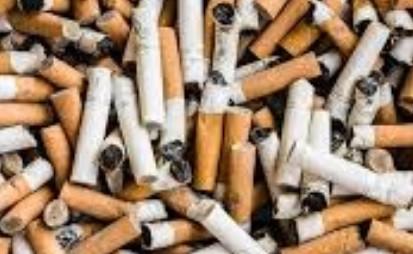 Des cigarettes.