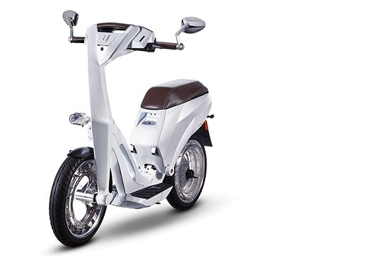 Le scooter Ujet.