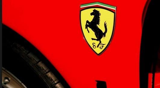 Le logo Ferrari.