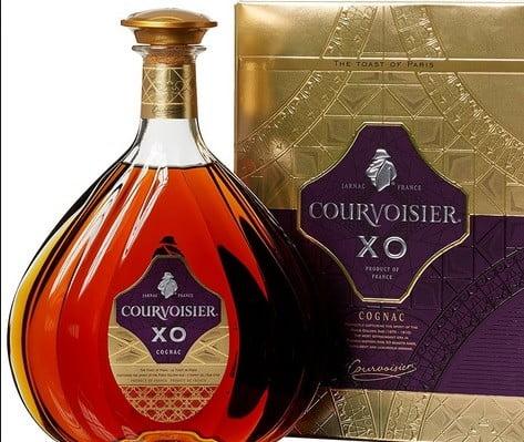 Une bouteille de Cognac.