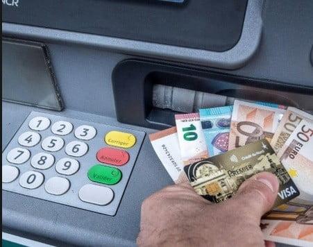 Un distributeur de banque.