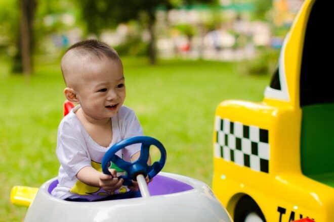 Très jeune conducteur