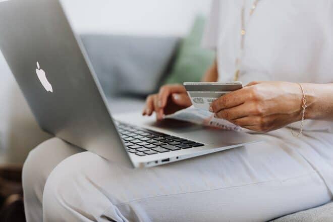Utilisation d'une carte bancaire en ligne