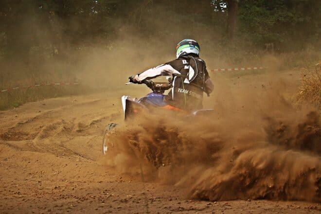 Le pilotage d'un quad.