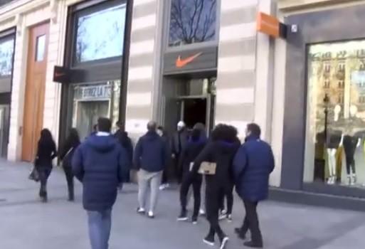 Un magasin Nike Paris 8