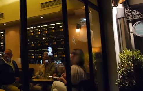 Bientôt le pourboire obligatoire dans les cafés et restaurants?