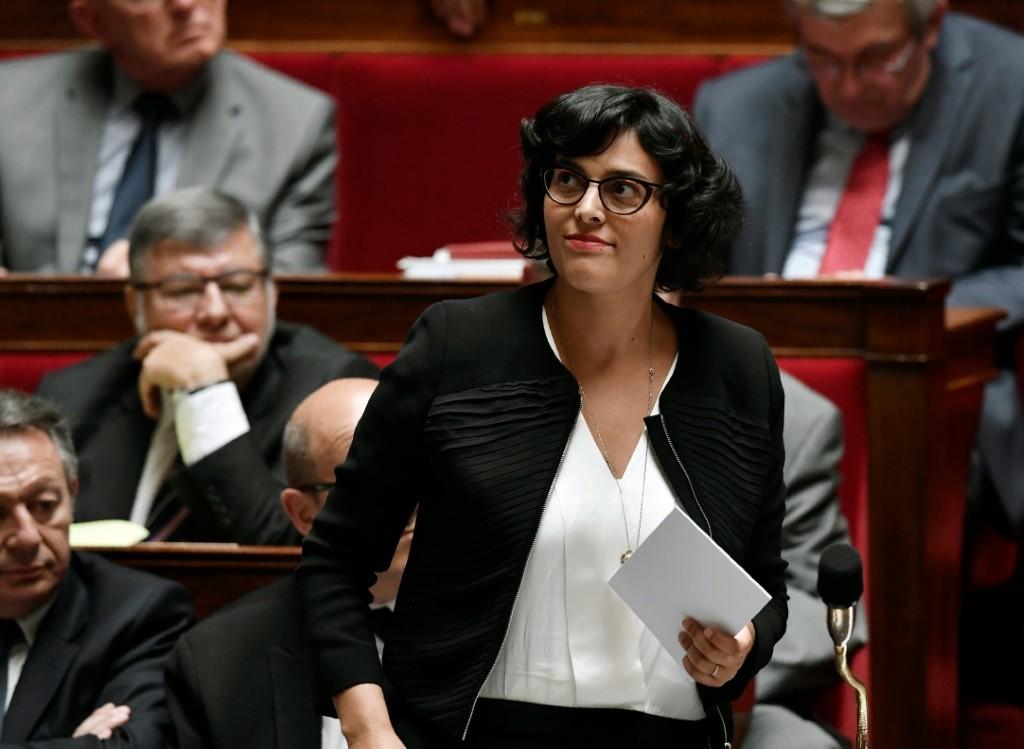 La ministre du Travail Myriam El Khomri lors des questions au gouvernement le 6 juillet 2016 à l'Assemblée nationale à Paris