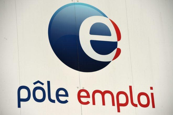 Le logo d'une agence  Pole Emploi à Montpellier, dans le sud de la France le 27 avril 2016