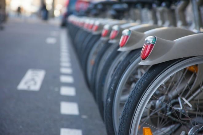 Des vélos Vélib à Paris